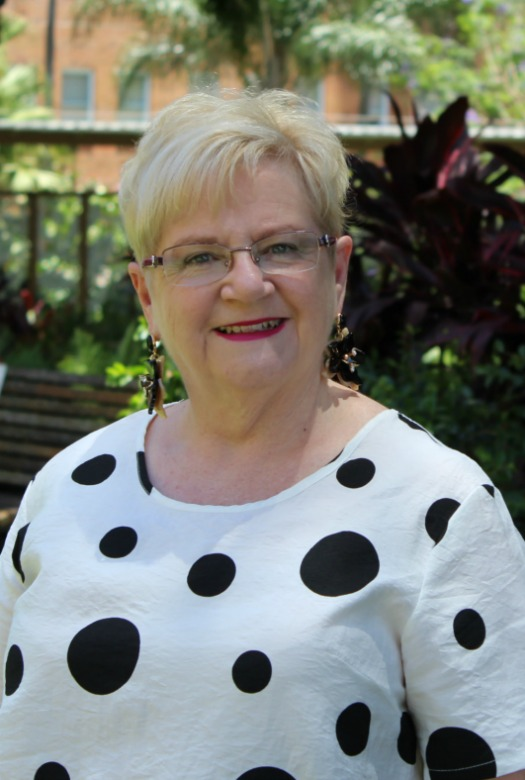 Ms Leonie Hobbs—Member, Clinical Safety & Excellence Committee